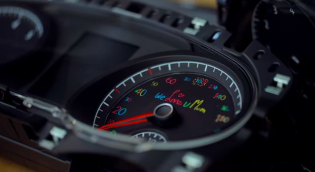 Volkswagen demande a des enfants de redessiner le compteur
