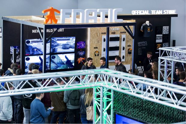 fnatic stand
