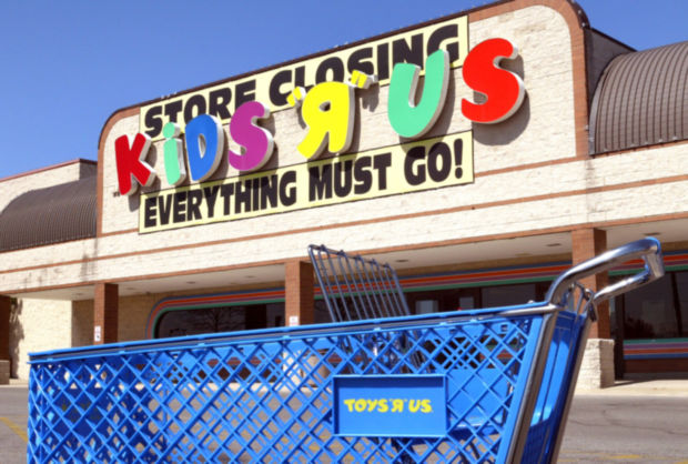 Toys'R'Us liquidating amazon buy it
