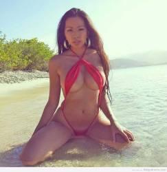 Shanny Lamm… impactante bikini rojo… hermosa!
