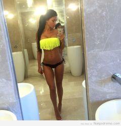 Svetlana Bilyalova, selfie en bikini