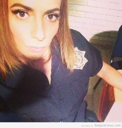 Cecilia Galiano… cosplay policía..