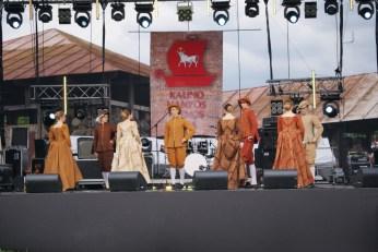 Średniowieczne Tańce