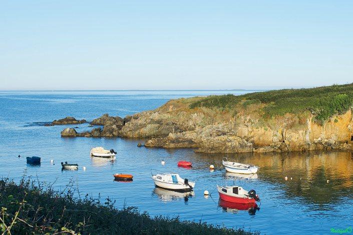Poulguen une crique au bord du GR 34 dans le Finistère Sud