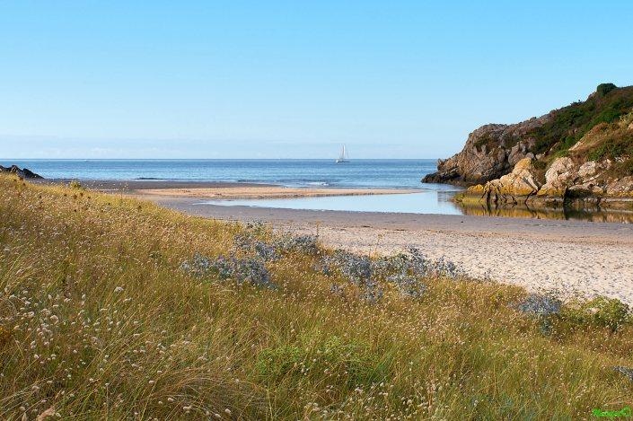 Poulguen, Finistère Sud, petite plage sauvage en contrebas du GR 34