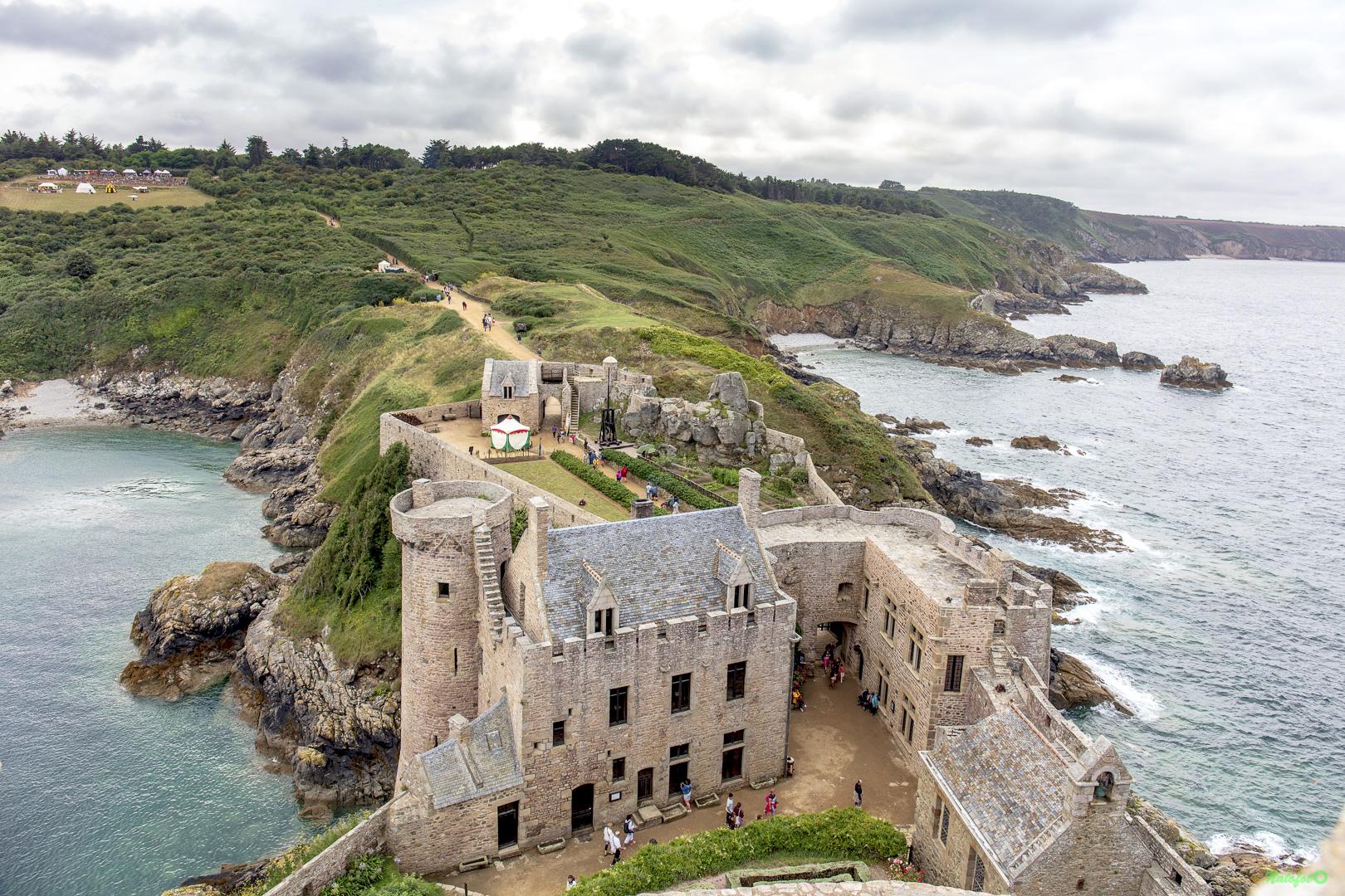 Photo du jour - Médiévales Fort la Latte - Vue globale de Fort la Latte