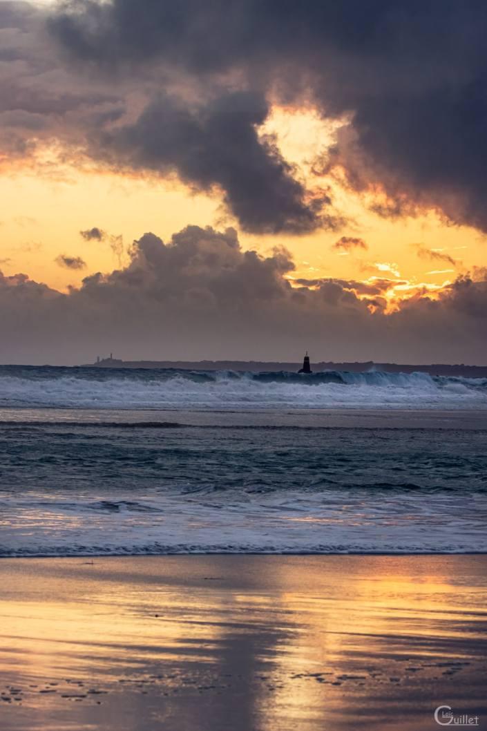 Crozon : Pointe Saint Mathieu vue de la plage de Pen Hat
