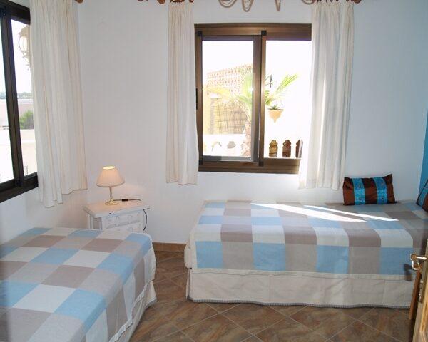 Surfcamp-Villa-LaPared-Schlafzimmer