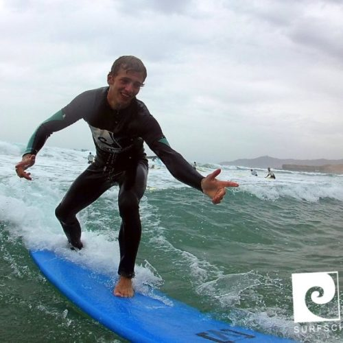 Surfkurs mit Nalusurf auf Fuerteventura; lerne surfen
