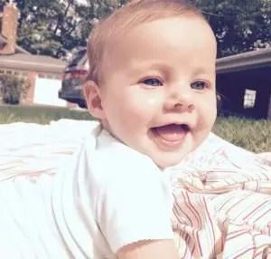 Nama Bayi Perempuan Yang Artinya Pujian