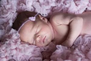 Nama Bayi Perempuan Islami Terbaru