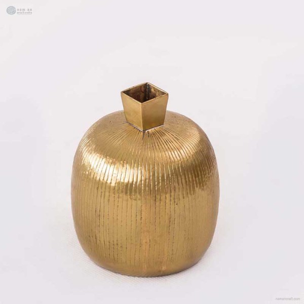 NA-brass-vase-with-square-mouth-brass-collection-vintage-home-decoration