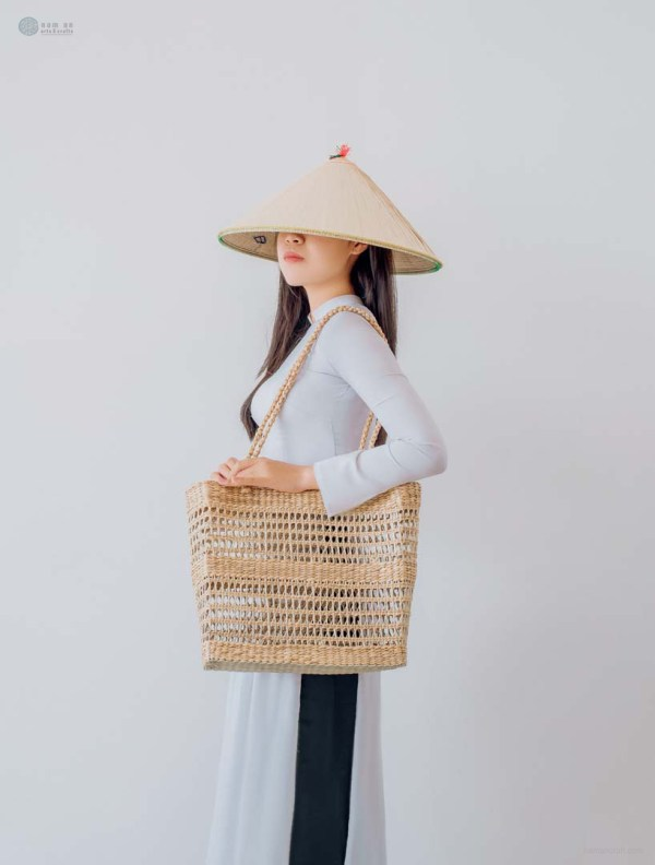 NA-handcrafted-woven-seagrass-shoulder-bag