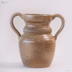 NA-matte-brown-ceramic-bottle-vase-with-handle
