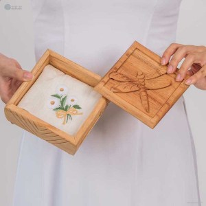 NA-hand-embroidered-silk-handkerchief-with-white-chrysanthemum-flower-pattern