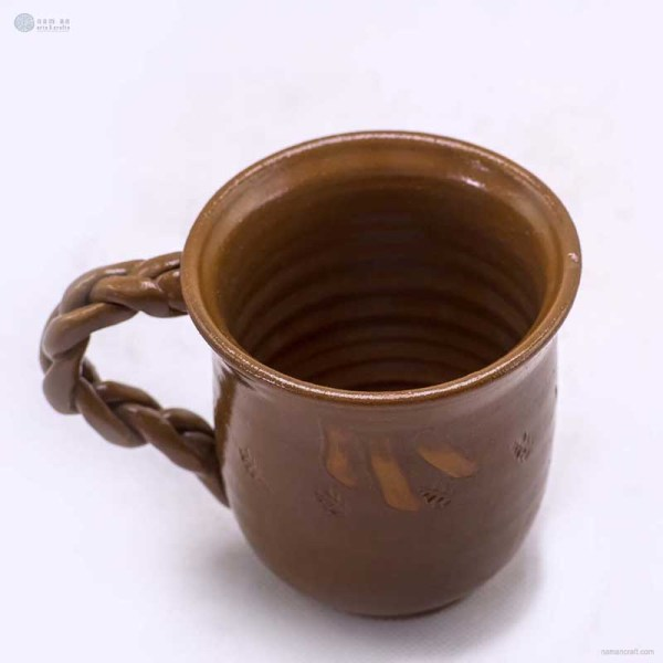 NA-ceramic-mug-with-braided-handle
