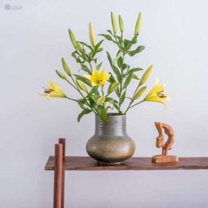 NA-green-mixes-with-yellow-ceramic-long-neck-vase