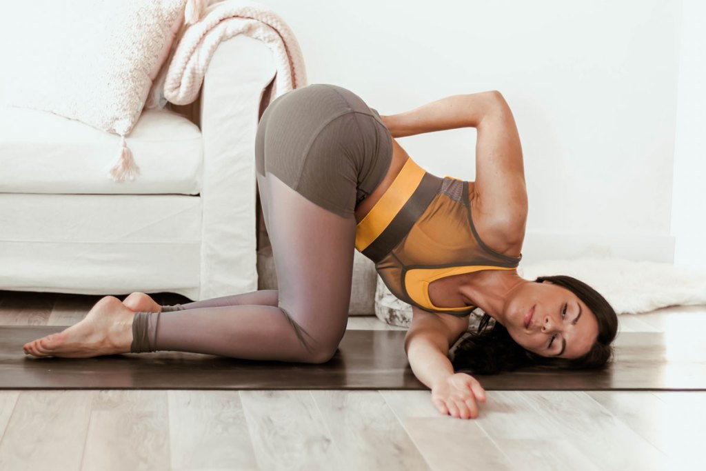 Routine de 30 minutes de yoga pour corriger la posture