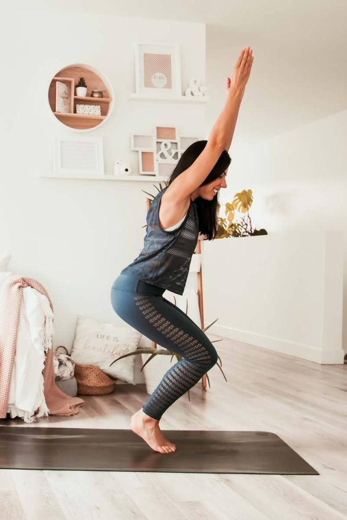 Routine de yoga pour hanches, ischios et bas du dos | Namasté & Coco Latté