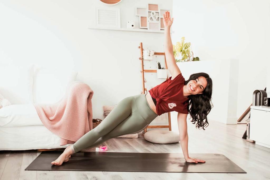 Routine de yoga énergique abdos & bras | Namasté & Coco Latté