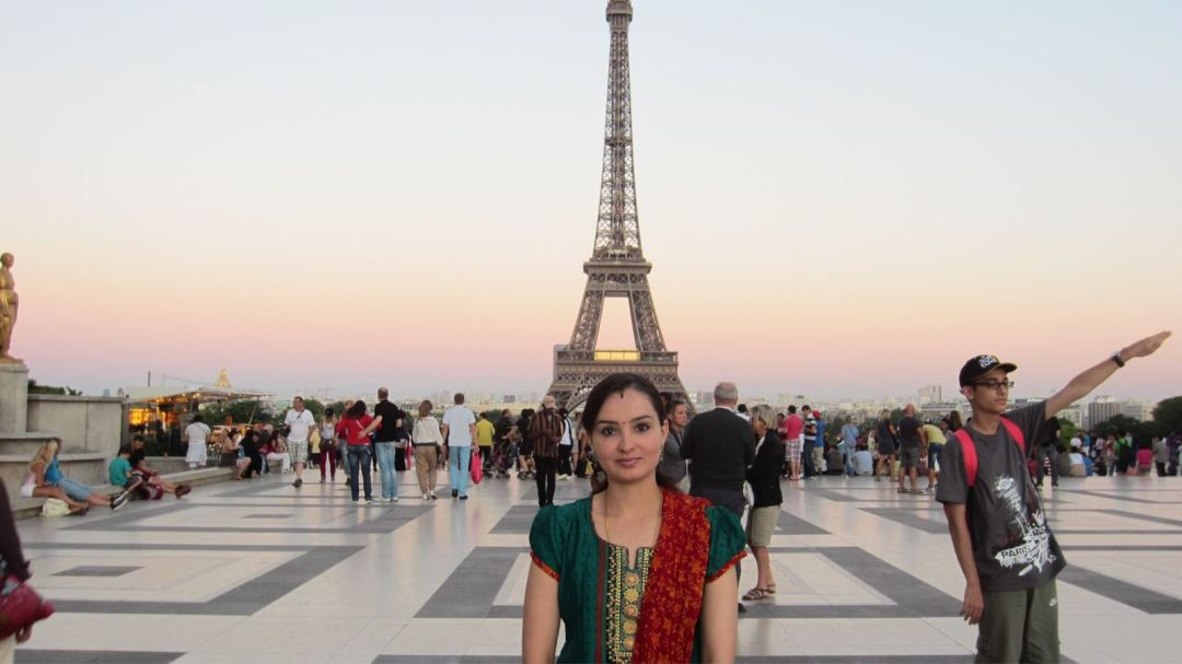 Photo of Ajantha at the Eiffel tower