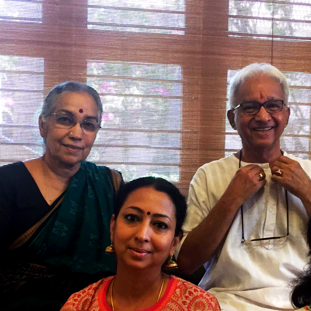 Photo of Aparna Raghavan with her mother and father, Padmabhushan Sri. T.V. Gopalakrishnan