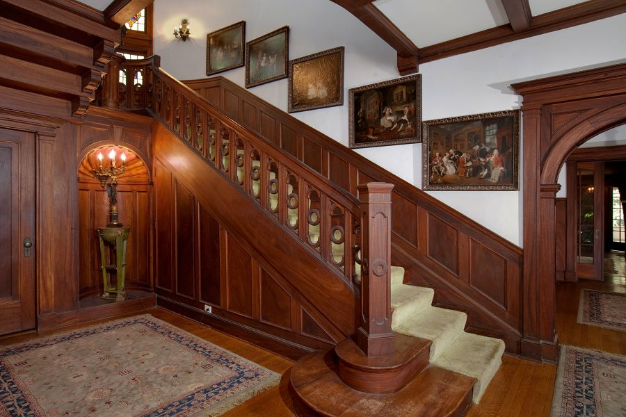 American-Horror-Story-Murder-House-1120-Westchester-For-Sale-10