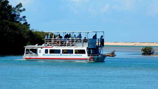 Nambucca River Cruise boat on the river