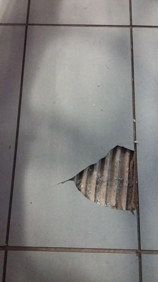 Ceramic Floor Tile Chip Repairw Ceramic Filler Youtube Repairing