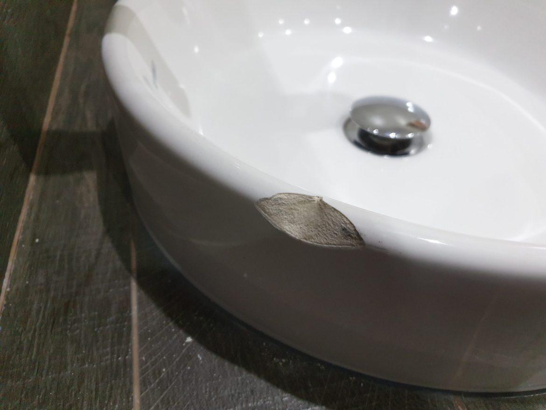 CHIP WASH HAND BASIN SINK PORCELAIN REPAIR BEFORE