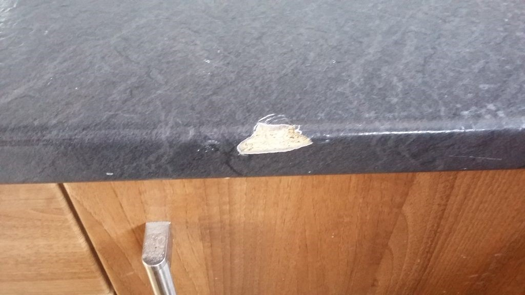 CHIP SCRATCH PAN BURN HEAT BLISTER KITCHEN WORKTOP REPAIR BEFORE