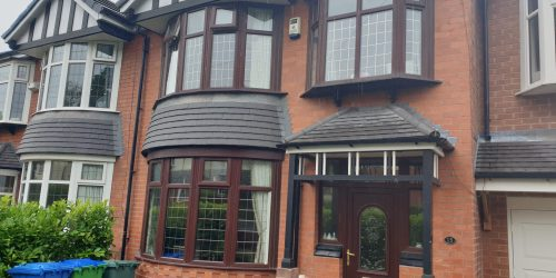 WOOD GRAIN WINDOW FRAME SPRAY PAINTING SERVICE MANCHESTER 4