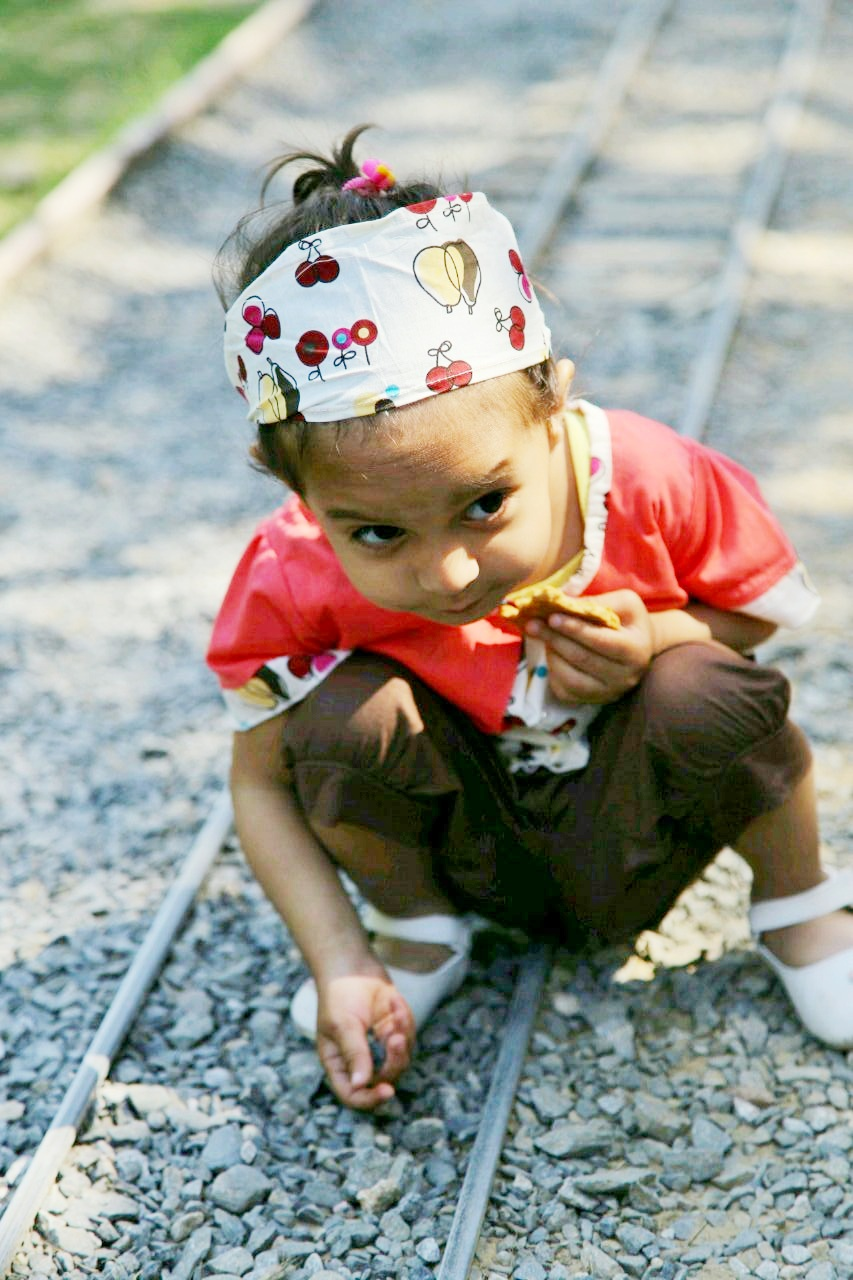 5 reasons why kids need dirt to be healthy
