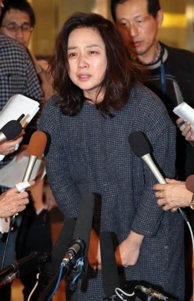 藤吉久美子のムチムチ画像はじめました。