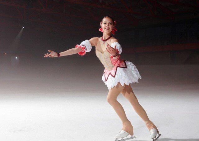 ザギトワ まどマギ風衣装でスケート【動画あり】ネットの声は