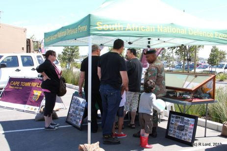 Soldiers of the Cape Town Rifles (Dukes), a Reserve Force regiment based in the Western Cape, fielded many questions from curious visitors about the SA Army Young Lions Program.
