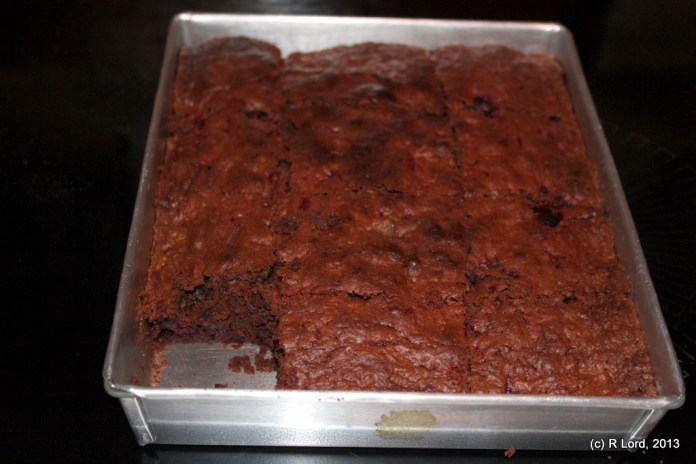 Bake for about 20-25 minutes, at about 180 degrees Celsius, remove from oven and allow to cool (!) before eating - ENJOY!