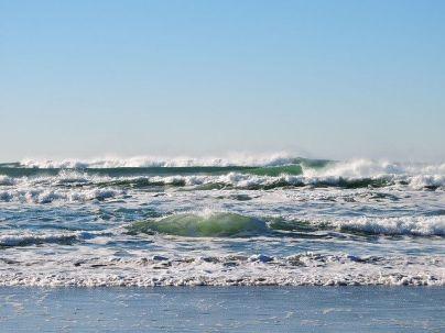 オンショアの波