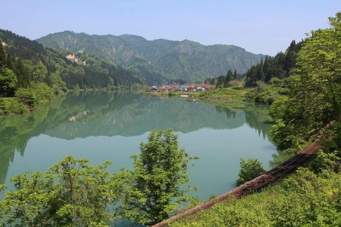 日本福島》金山町大志地區(會津川口),仿佛置身歐洲阿爾卑斯山小鎮。