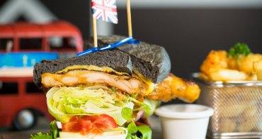 台中東區》Burger Bus漢堡巴士。首創英式黑漢堡,整隻雞腿排漢堡超霸氣,超夯人氣早午餐不到12點客滿