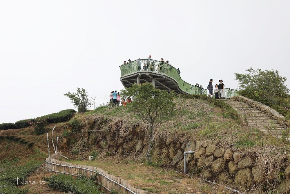 雲林古坑 石壁雲嶺之丘:海拔1630公尺草嶺觀景臺。360度無死角的無敵山景! - 輕旅行