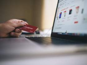 7 Tips to save money and enjoy online shopping