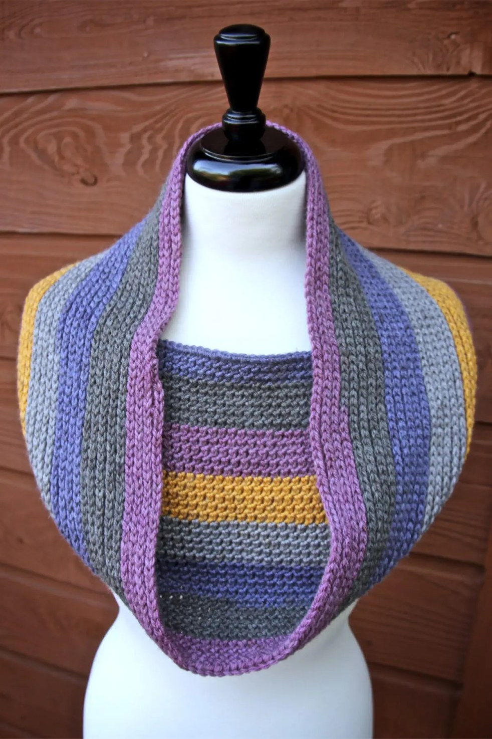 Knitty Pretty Reversible Crochet Cowl