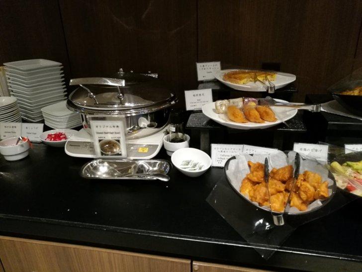 TIAT LOUNGE 食事3
