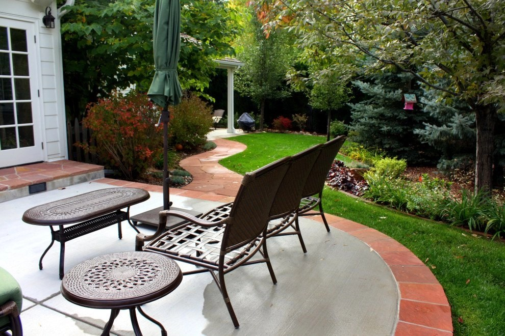 Riopelle Residence - Back Patio