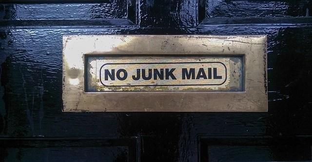 no junk mail written on mailbox