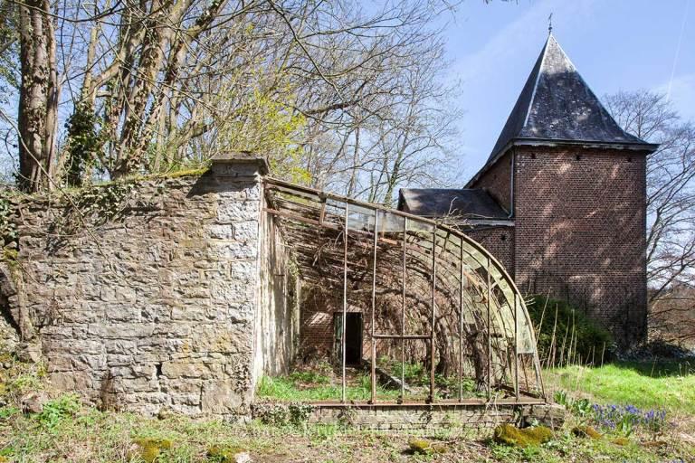Manoir von Duchess, verlaten landhuis, urbexlocatie, plantenkas