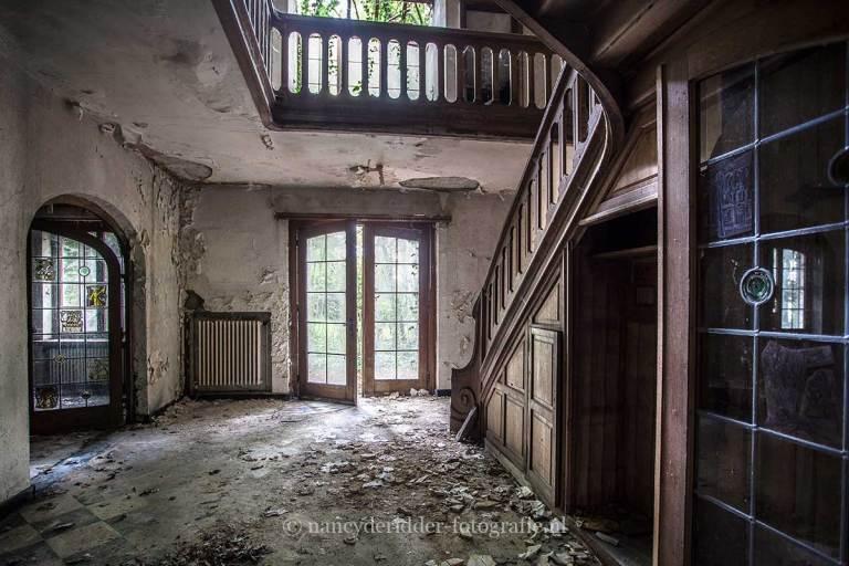 Villa SS, verlaten hal, sprookje, Urbexlocatie