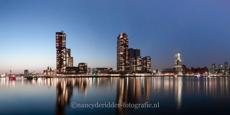 Kop van Zuid, Rotterdam, blauwe uurtje