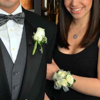 Pulsera de rosas blancas para novia